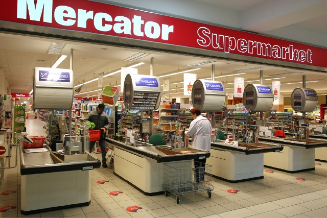 Sberbanka prodaje Merkator