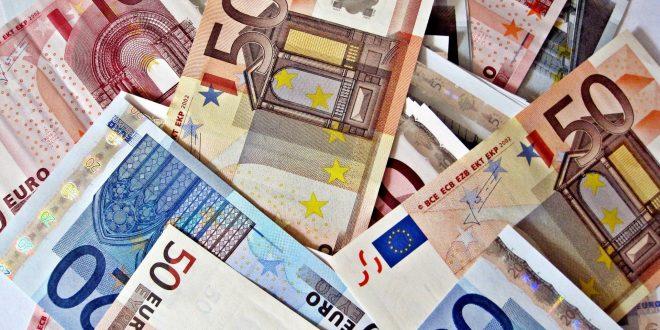 Za 428 miliona eura kredita garantuje 25.000 građana