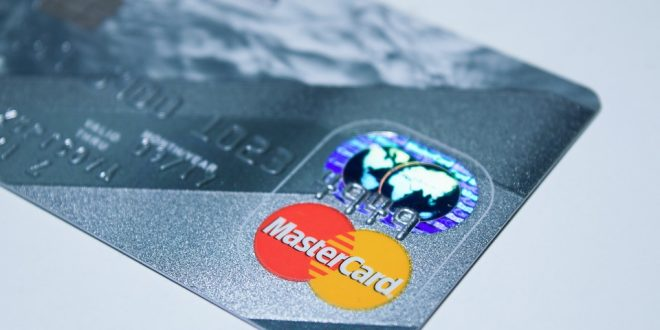 Mastercard poskupio naknade za Britance za pet puta