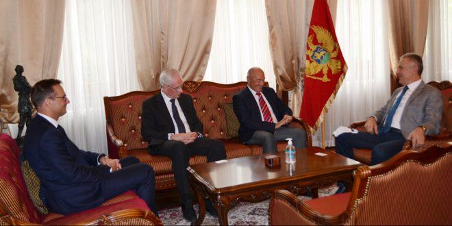 Predstavnici CKB banke na sastanku sa guvernerom Žugićem